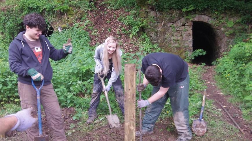 Fence at Ballington Limekilns